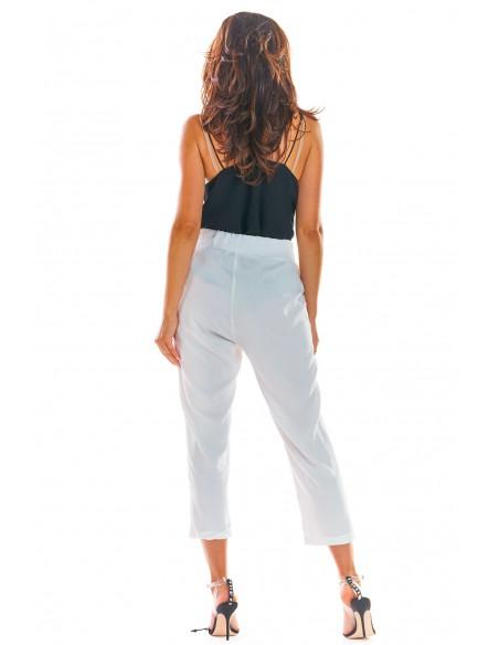 Luźne spodnie z wiązaniem w pasie białe