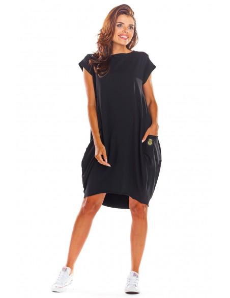 Luźna sukienka z krótkim rękawem - czarna