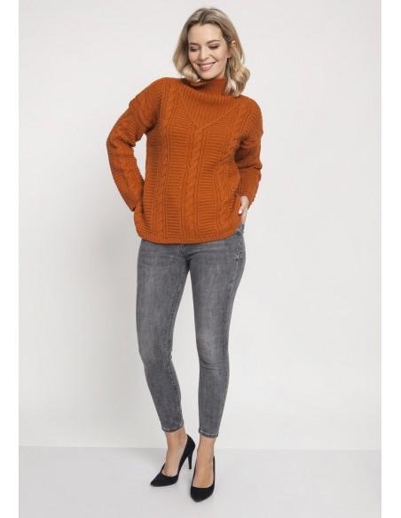 Dzianinowy sweter z golfem oversize - karmelowy