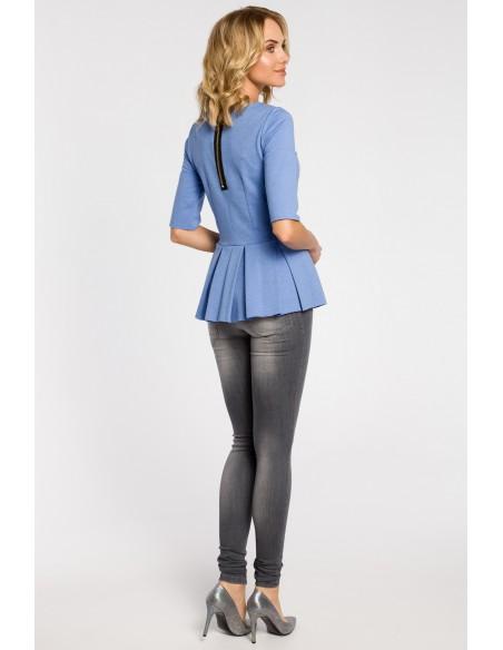 Dopasowana bluzka damska z plisowaną baskinką - niebieska