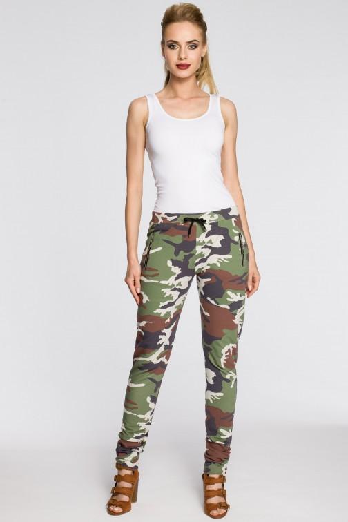 Dresowe spodnie moro - model 1