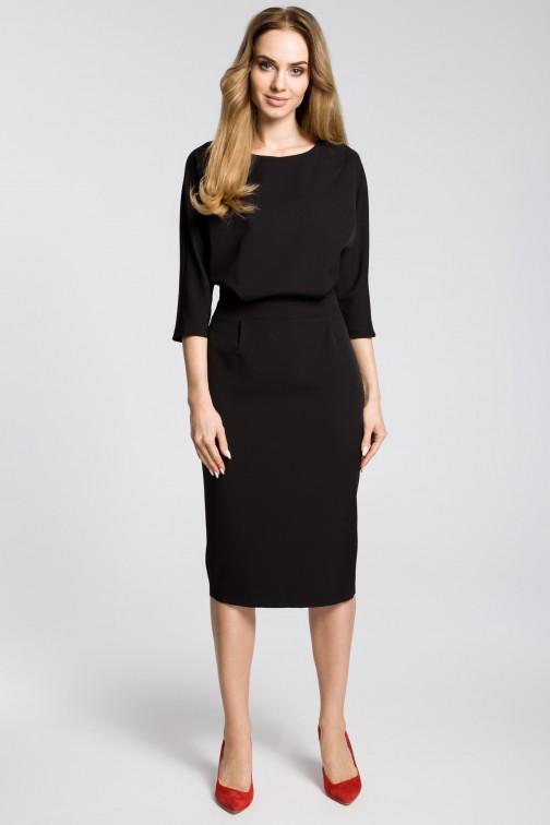 Odcinana sukienka w pasie z zakładkami - czarna