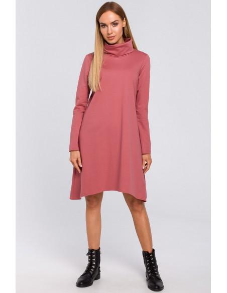 Trapezowa sukienka z golfem - róż indyjski