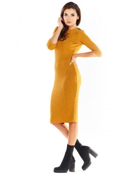 Dopasowana sukienka midi z długimi rękawami - kamelowa
