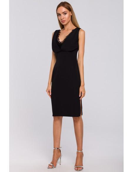 Sukienka z koronkową wstawką w dekolcie - czarna
