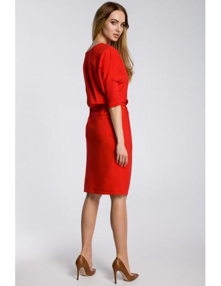 Odcinana w pasie sukienka z paskiem - czerwona