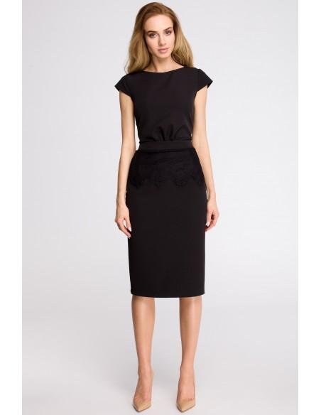 Ołówkowa sukienka z marszczeniem - czarna