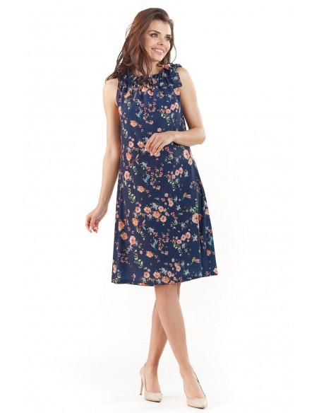 Kobieca sukienka bez rękawów - granatowa