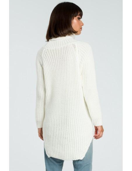 Długi sweter z golfem - ecru