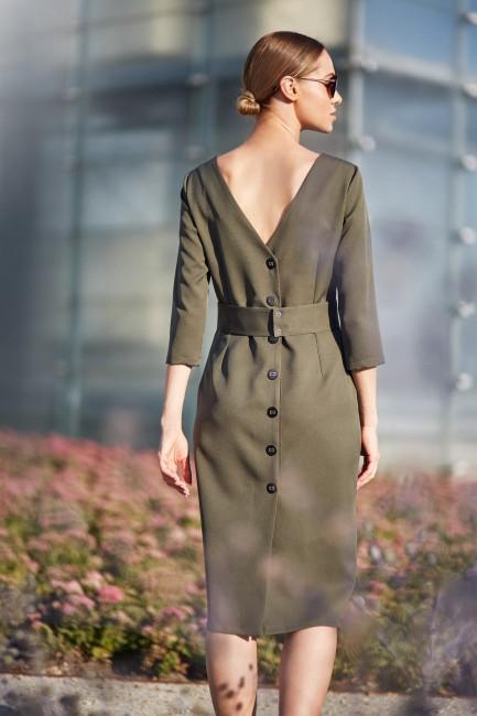 Gładka sukienka ołówkowa z paskiem - khaki