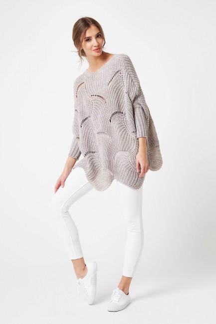 Luźny sweter typu fala - beżowy